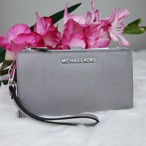 🌺NWT Michael Kors double zip wristlet wallet grey